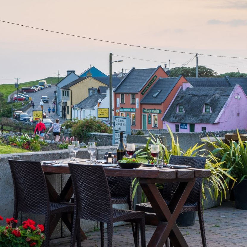 Dininig in Doolin overlooking Fisherstreet